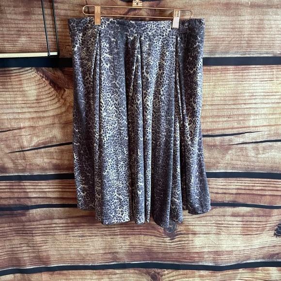Lularoe Madison Skirt size large, muted cheetah